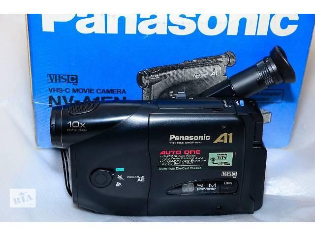 купить бу Видеокамера Аналоговые видеокамеры Panasonic A1 Б/у в Николаеве