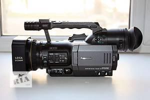 б/у Профессиональные видеокамеры Panasonic AG-DVX100