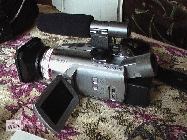 продам Видеокамера Профессиональные видеокамеры б/у Panasonic nv gs 500 бу в Радивилове