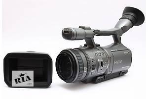 б/у Профессиональные видеокамеры Sony HDR-FX7E
