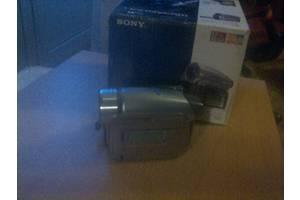 б/у Миниатюрные видеокамеры Sony DCR-HC62E