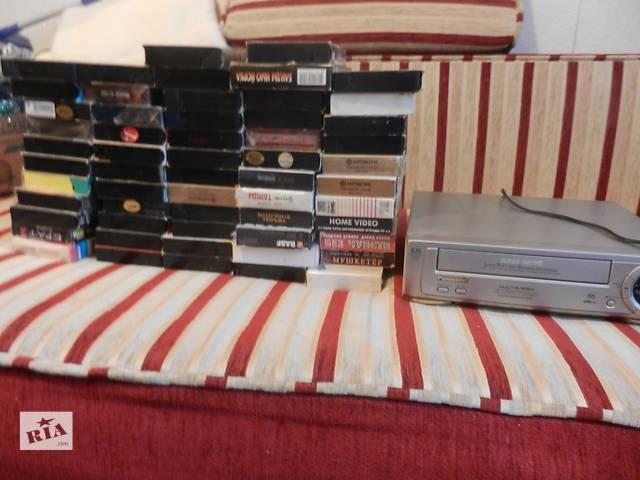 продам Видеомагнитофон + более 50 касет бу в Виннице