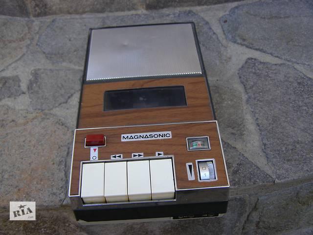 продам Винтаж Магнитофон Magnasonic Япония бу в Каменец-Подольском