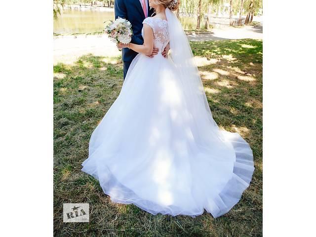продам Изысканное свадебное платье бу в Ровно