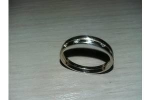 б/у Обручальные кольца с камнями