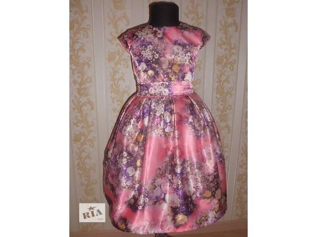 продам Яркое платье в цветы бу в Житомире