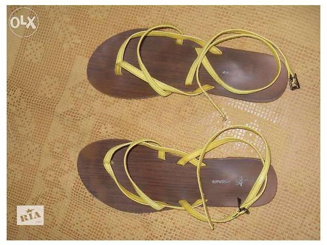 бу Яркие сандали в Житомире