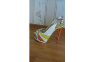 б/у Женская обувь SharMAN