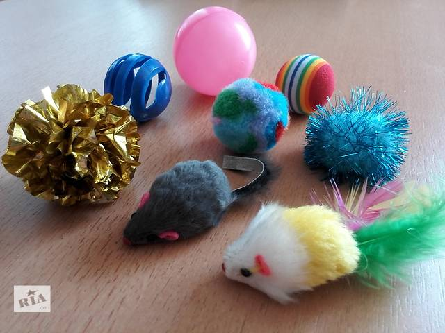 бу Набор самых любимых игрушек котиков: погремушки, мышки, мячики. в Киеве