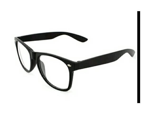 купить бу Иммиджевые очки в чёрной оправе в Запорожье