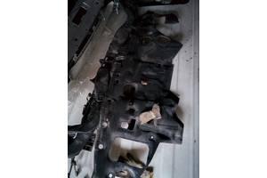 б/у Шумовки капота Toyota Land Cruiser 200