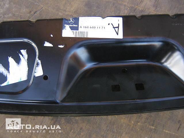 купить бу Задняя панель кузова для Mercedes ML-Class из двух деталей в Одессе