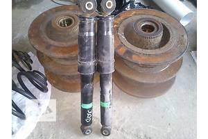 Амортизаторы задние/передние Opel Vivaro груз.