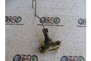 б/у Замок двери Volkswagen Corrado