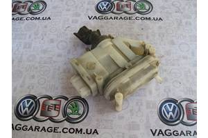 б/у Замки двери Volkswagen Passat B4