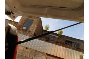 б/у Амортизаторы багажника Mercedes Vito груз.