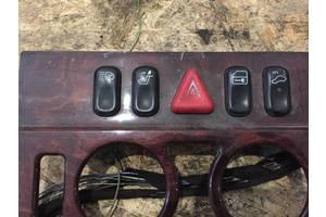 б/у Блоки кнопок в торпеду Mercedes E-Class