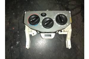 б/у Блоки управления печкой/климатконтролем Opel Vivaro груз.