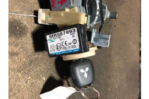 б/у Блоки управления зажиганием Mitsubishi Grandis