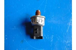 б/у Датчики давления топлива в рейке Peugeot Expert груз.