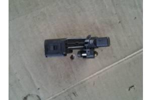 б/у Датчик коленвала Volkswagen Crafter груз.