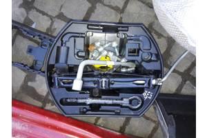 б/у Домкраты Peugeot 208