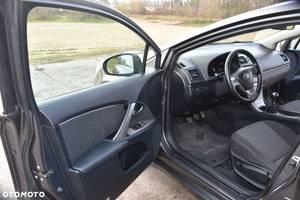 б/у Двері передні Toyota Avensis