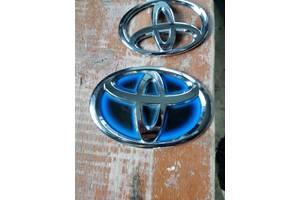 б/у Эмблемы Toyota Auris