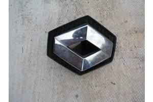 б/у Эмблема Renault Clio