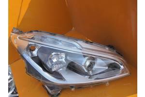 б/у Фара Peugeot 208