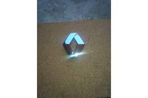б/у Емблема Renault Megane III