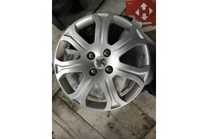 б/у Колпаки на диск Peugeot