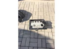 б/у Крышки мотора Volkswagen Golf V