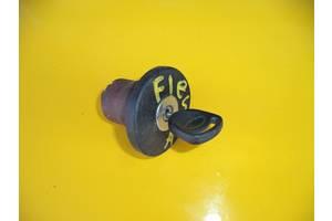 б/в Кришки паливного бака Ford Fiesta