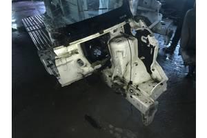 б/у Лонжерон Renault Trafic