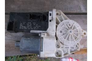 б/у Моторчики стеклоподьемника Peugeot 407