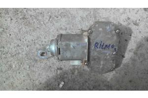 б/в Моторчик стеклоочистителя Fiat Ritmo