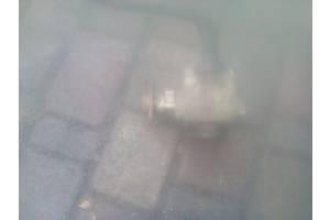 б/у Насосы гидроусилителя руля Renault Trafic