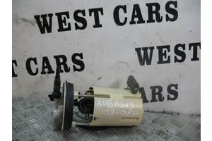 б/у Насос топливный Toyota Avensis