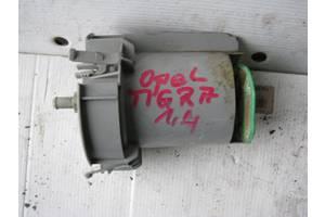 б/у Насос топливный Opel Tigra