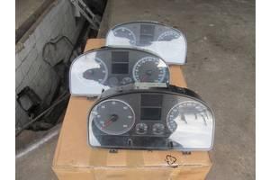 б/в Панелі приладів / спідометри / тахографи / топографи Volkswagen Caddy