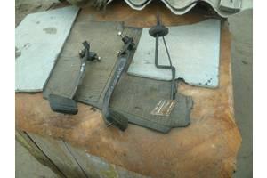 б/у Педали сцепления Peugeot 309