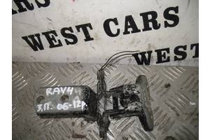 б/у Петля двери Toyota Rav 4