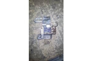 б/у Петли двери Volkswagen Passat B5