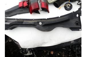 б/у Пластик под лобовое стекло Opel Omega B