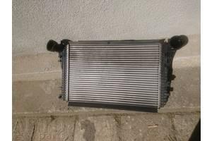 б/у Радиатор интеркуллера Volkswagen Passat