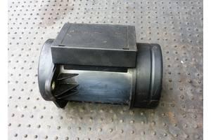 б/у Расходомер воздуха Volkswagen Caddy