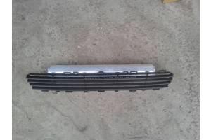 б/у Решётки бампера Toyota Avensis