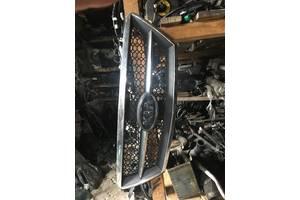б/у Решётка радиатора Kia Sorento