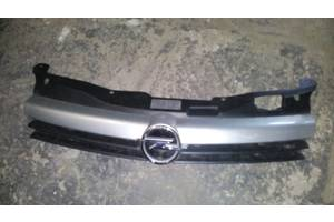 б/у Решётка радиатора Opel Astra H Caravan